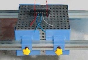 Machine d'essai aux vibrations bornier en cours d'essai